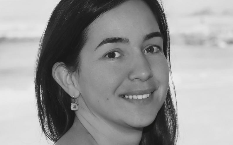 Elif Demir-Hilton